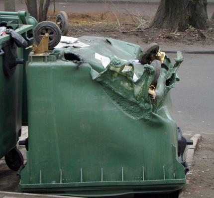 В Копейске за ночь сгорели несколько контейнеров для мусора