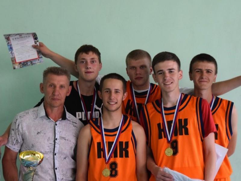 Копейские студенты стали чемпионами области по баскетболу